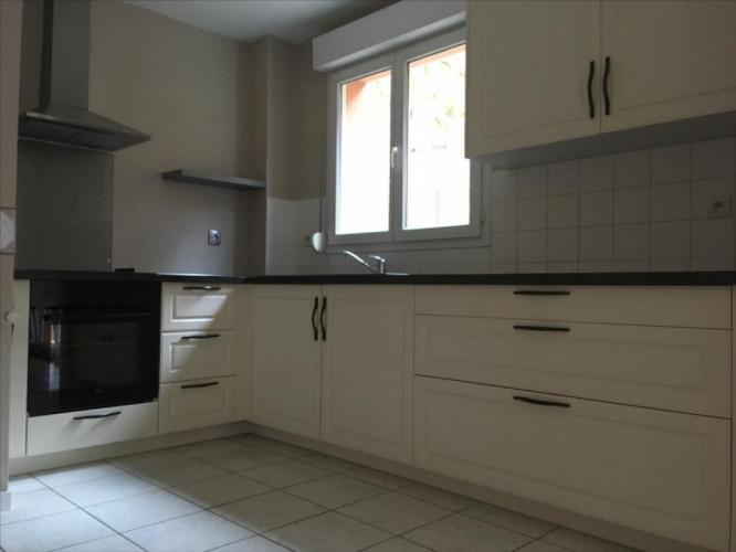 Location Besançon, Appartement T4 en RDJ, secteur Polyclinique