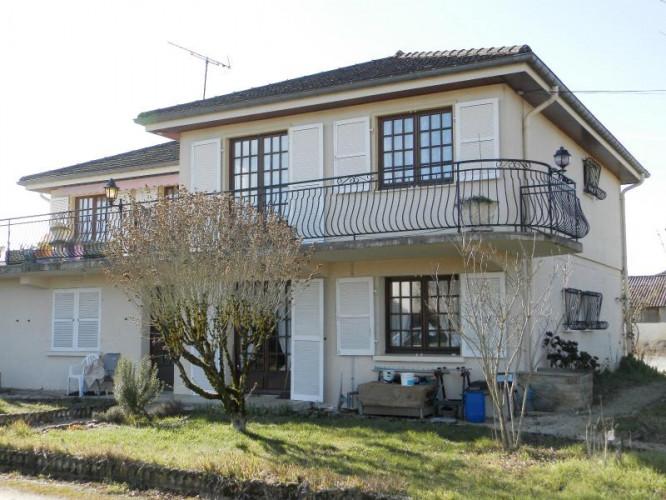 BLETTERANS (39), à vendre maison 215 m² + entrepôt 580 m², sur terrain 3000 m²