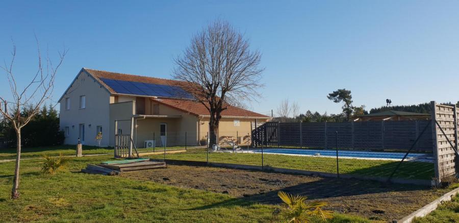 Maison 226 m² T6 + piscine + 6000 m² terrain