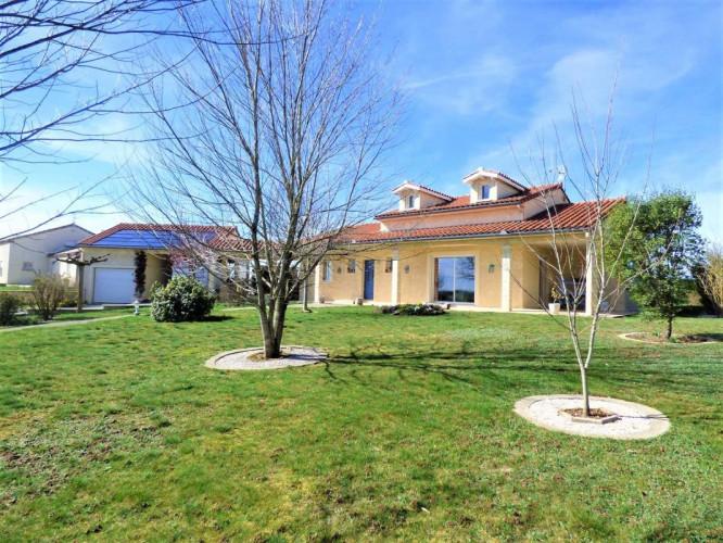 Alban maison T7 150 m2 terrain 2400 m2