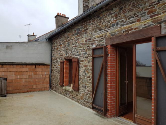 DOL maison de Bourg en pierres