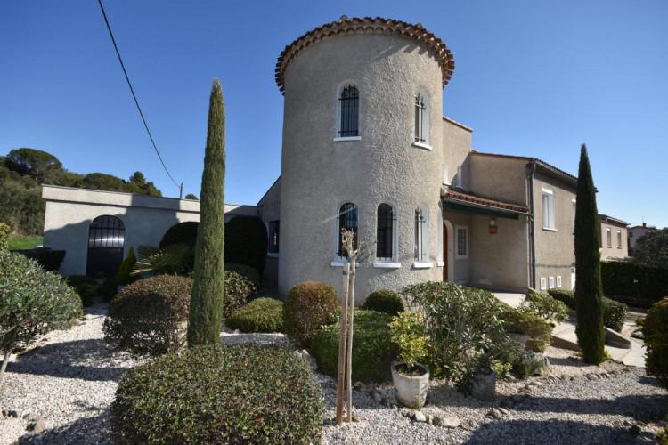 Grande villa avec jardin et garage à Limoux