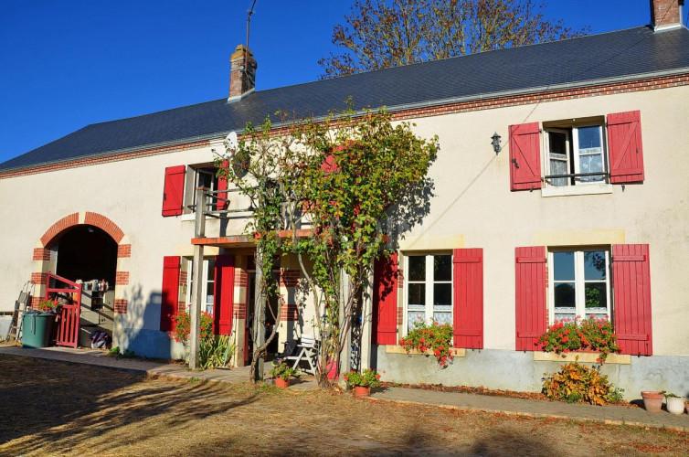 Maison de campagne sud Gien 6 p 152 m2 terrain 9620 m²