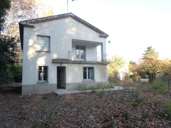 Avignon Extra Muros - Maison 6 pièces avec grand jardin, garage