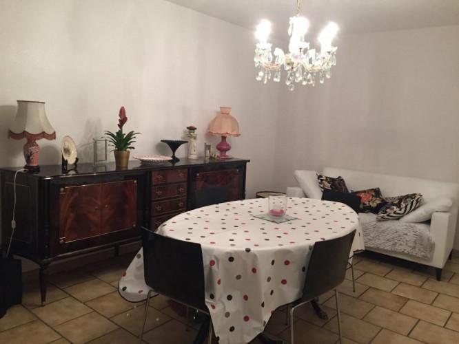 Appartement T4 lumineux rénové avec goût avec cuisine équipée neuve