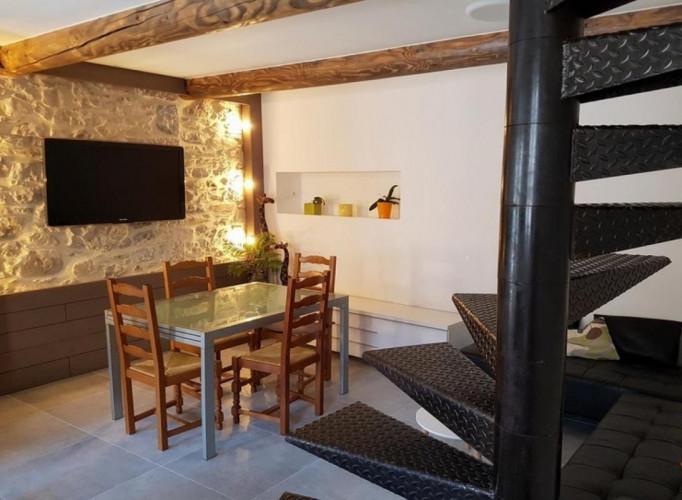 Maison de village en pierre entierement rénovée à Sardan. 30260