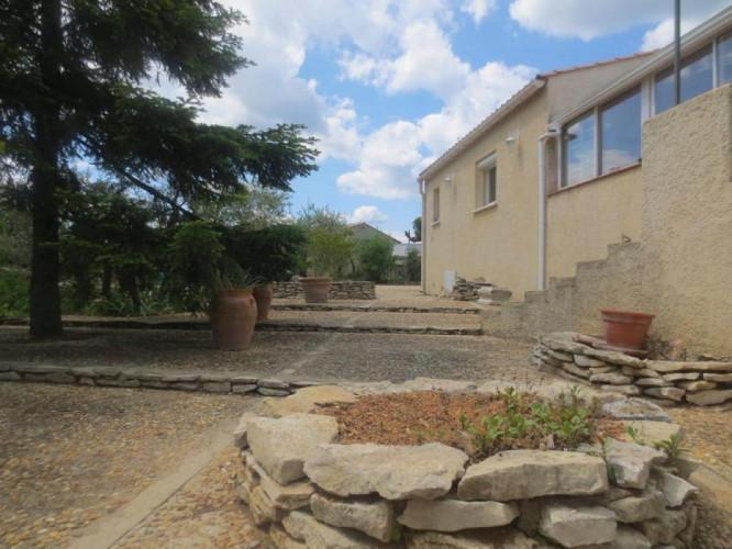 Villa sur 3000 m² à Souvignargues. 30250