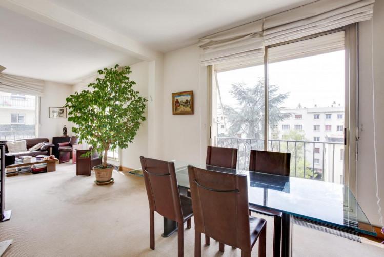 Bel appartement  de 4 chambres avec terrasse