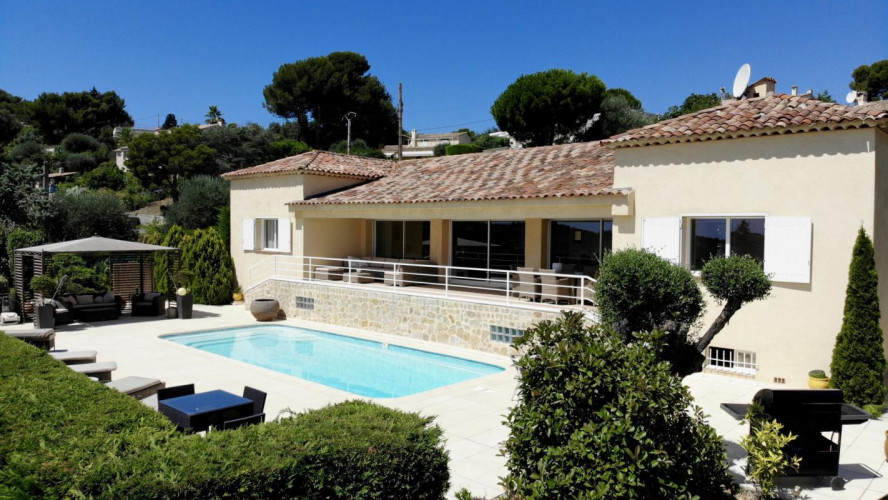 Vente Villa Proche de Cannes avec vue mer panoramique