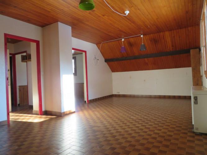 Appartement T3 + cave + parking en copropriété
