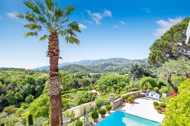 Charmante villa à vendre avec jolie vue et jardin AURIBEAU SUR SIAGNE
