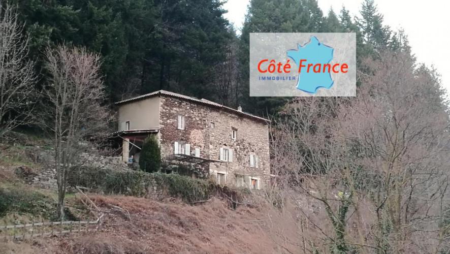 ARDECHE THUEYTS Maison en pierres 220m² avec terrain