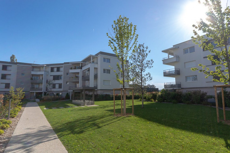 ANNEMASSE APPARTEMENT GRAND T3 LUMINEUX