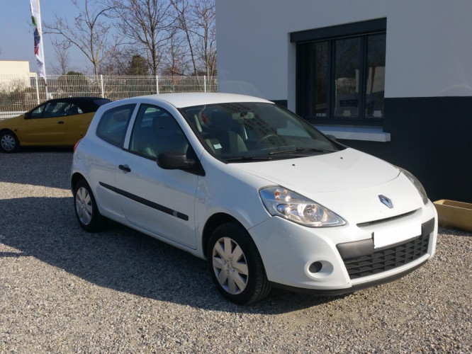 Renault Clio 3 phase 2 1.5 DCI 65CV PLACES TVA recuperable