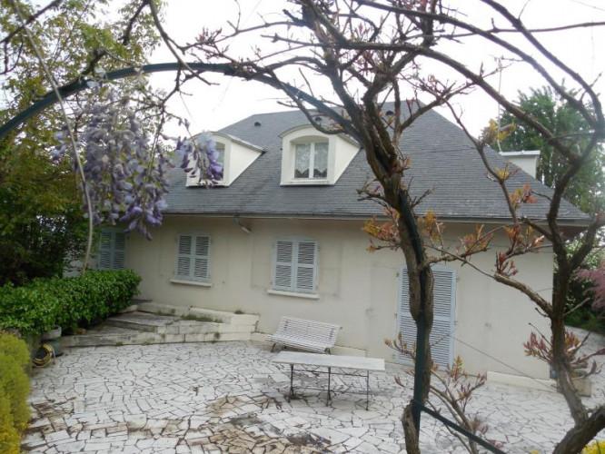 DIJON, vends Maison d'exception, 5 chambres, proche centre, quartier résidentiel, parc arboré clos