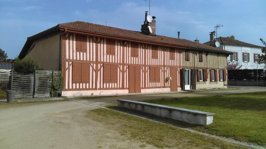 40630 Luglon maison de campagne de 178 m2 8 chambres