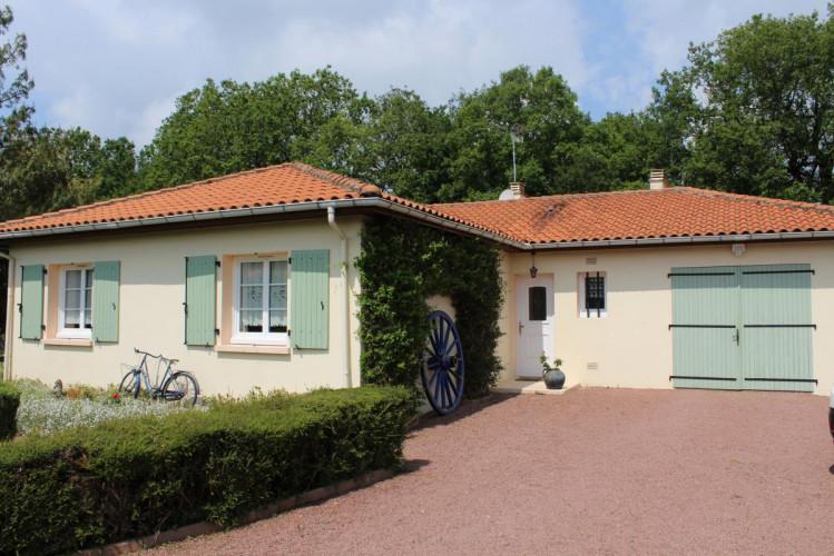 16590 BRIE maison de 102 m² sur terrain de 1300 m²