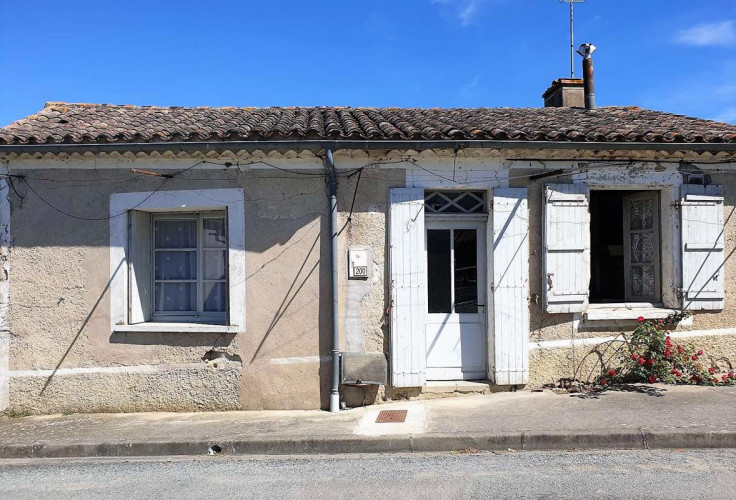 Maison de village T3 en pierre avec extérieurs