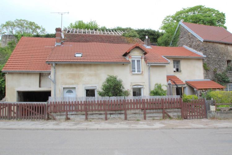 Réf : 1905 - Secteur GRAY - Maison de village rénovée