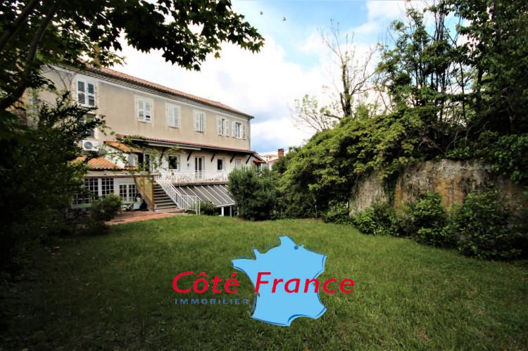 ARDECHE PRIVAS Appartement+local professionnel 450m² Jardin 600m² Garage