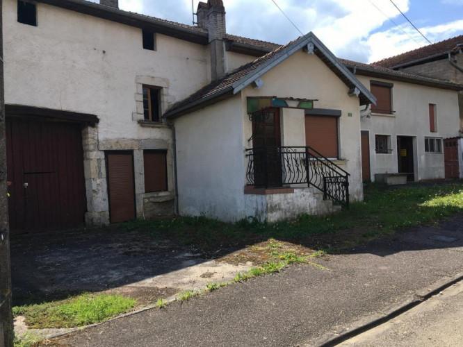 Maison de village - SECTEUR COMBEAUFONTAINE