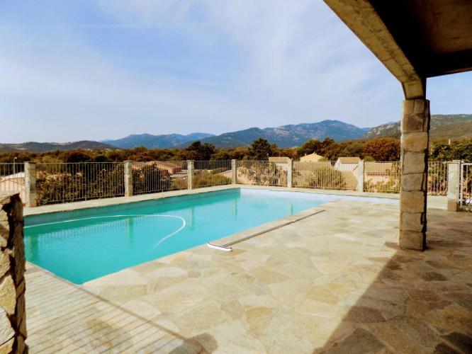 Magnifique Villa de 7 pièces avec Piscine + T3 + 2000 m² de