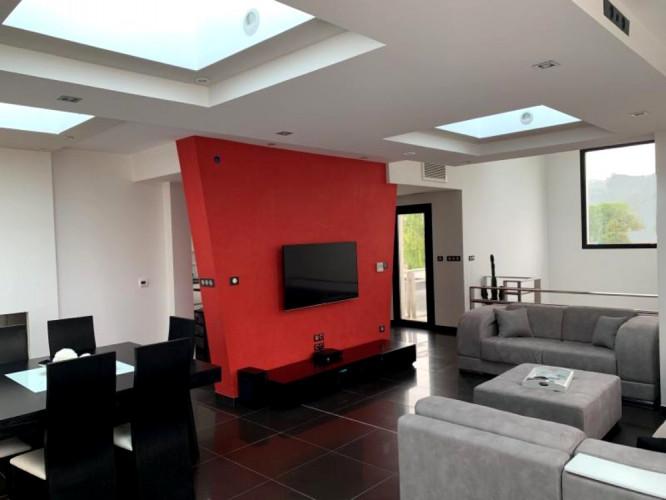 Exceptionnelle villa contemporaine avec vue 5min Clermont