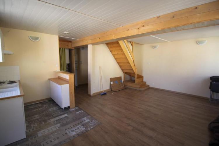 Saint Julien sur Reyssouze - A louer appartement en duplex - 67 m² - 2 Chambres