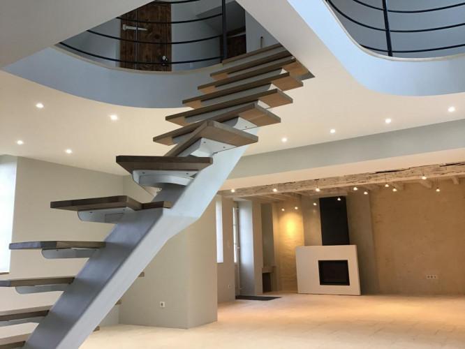 BAUGY - Maison sur 1790 m2 de terrain