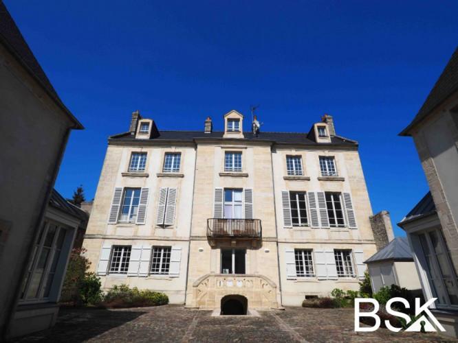 F4 107 m2 - Hôtel particulier