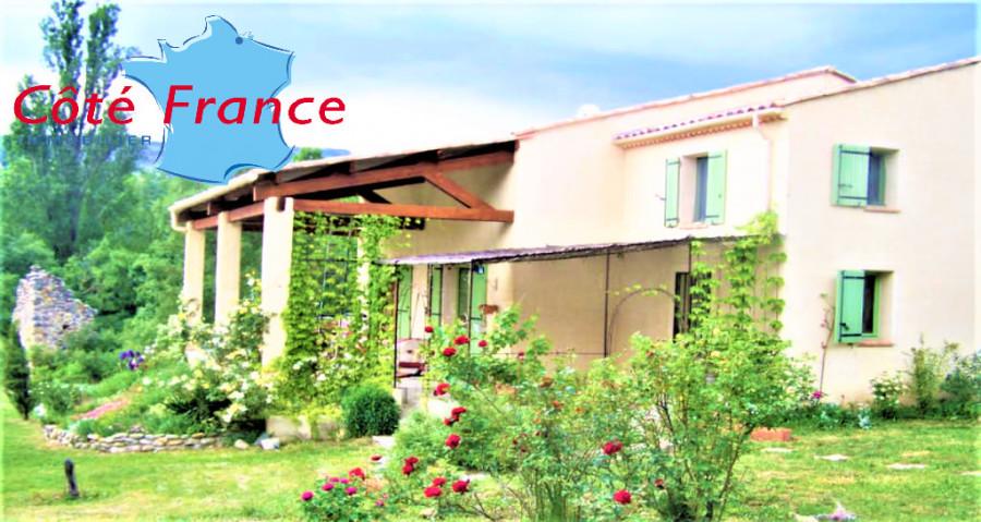 ALPES HAUTE PROVENCE THOARD Villa SH 230m² Piscine Garages Jardin 1400m²