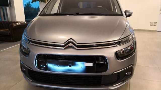 Citroën c4 spacetourer GRAND Shine PureTech 130 S et EAT8