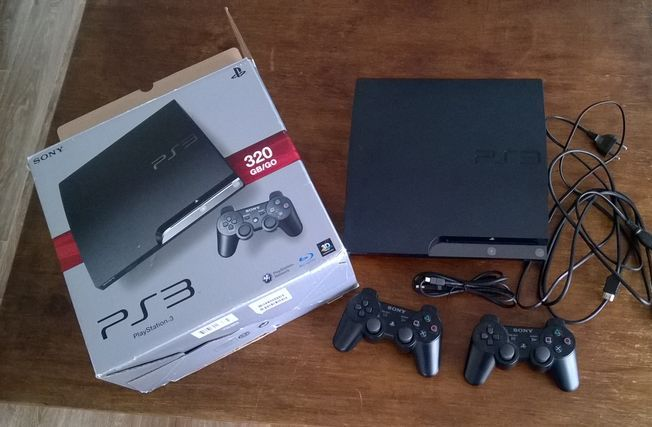CONSOLE PLAYSTATION 3 + 12 JEUX PS3
