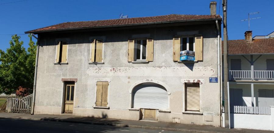 Immeuble au centre ville de Mont de Marsan avec 6 appartements