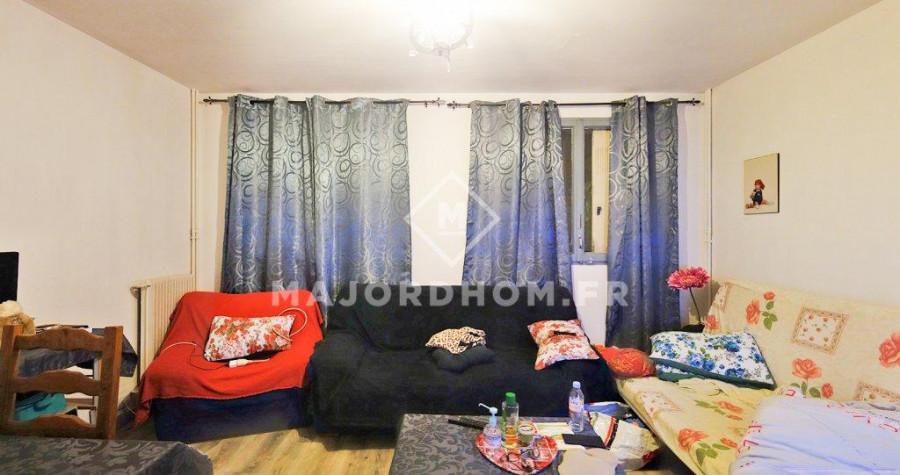Vente appartement, 100000€, 56m², 3 pièces, situé à Marsei