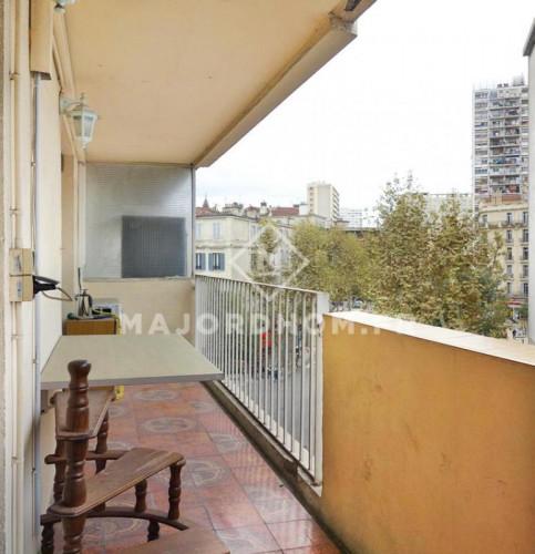 Vente T4 de 84m2 ascenseur balcon climatisation rue de Forbi