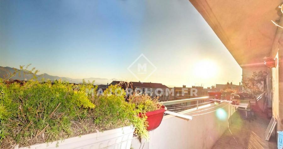 Vente appartement, 230000€, 77m², 4 pièces, situé à Marsei