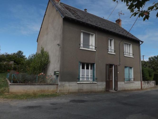 Maison à rénover - 3 chambres - Grange et terrain attenant de