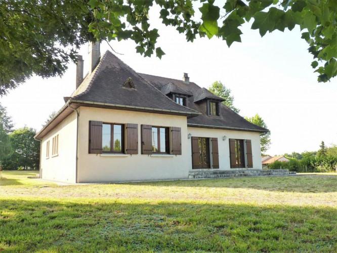 Périgourdine de 4 chambres 183 m² - Terrain 6 200 m² 24700
