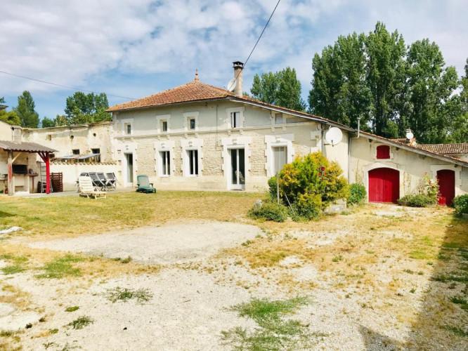 Maison de Village T4 Région Barbezieux 16300