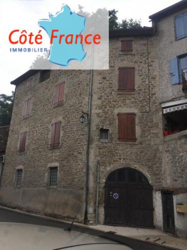ARDECHE LARGENTIERE Maison de village du 19ème siècle (1822) entièrement rénovée. 400m²