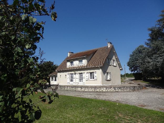 Belle maison de 194 m² et dépendance de 600 m²