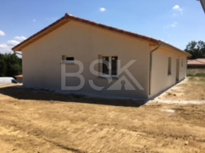 Projet de construction Maison 86 m² avec 3 chambres , 2 WC et garage accolé 23 m² sur 880 m² terrain