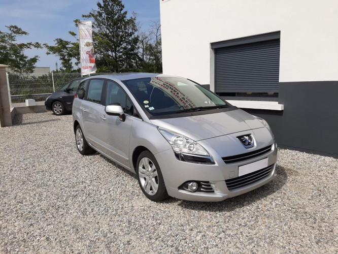 Peugeot 5008 1.6 HDI 112 CV ALLURE 5 PL