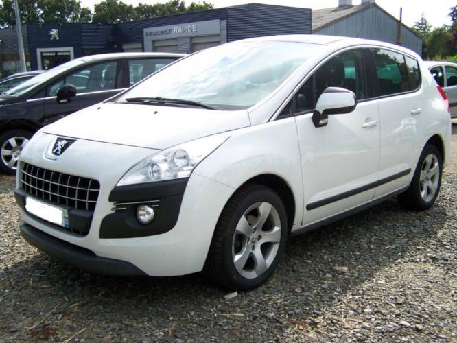 Peugeot 3008 1.6 HDI FAP PREMIUM