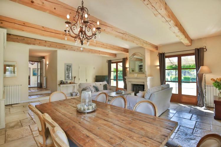 Magnifique villa provençale à quelques minutes à pied du centre de Valbonne