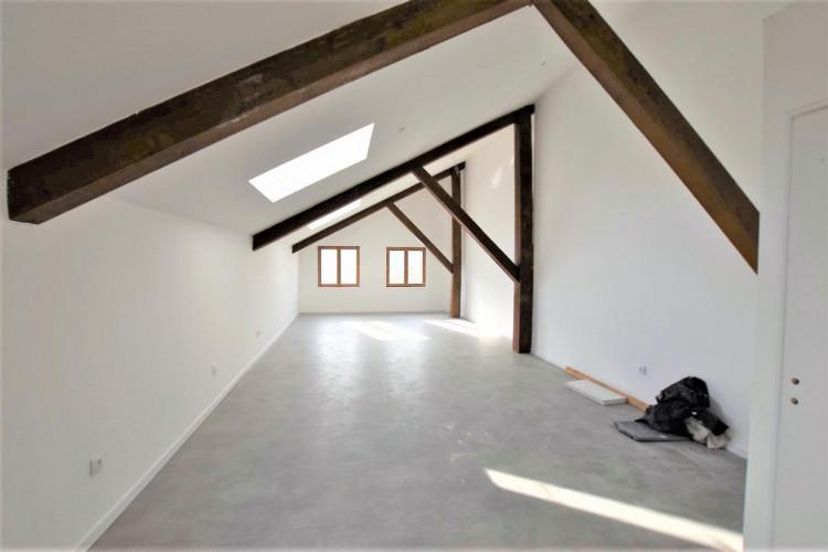 bureaux type atelier entièrement rénovés