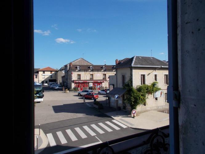 Appartement avec 2 chambres à Saint Léonard de Noblat avec