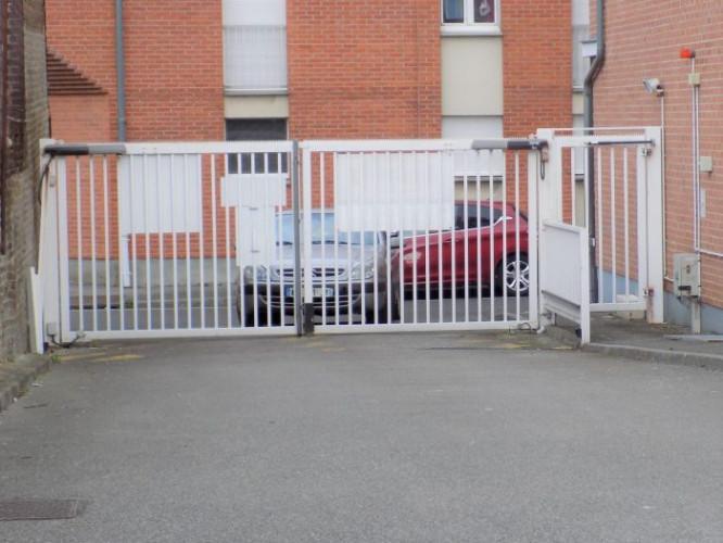 Amiens : Emplacement de parking !
