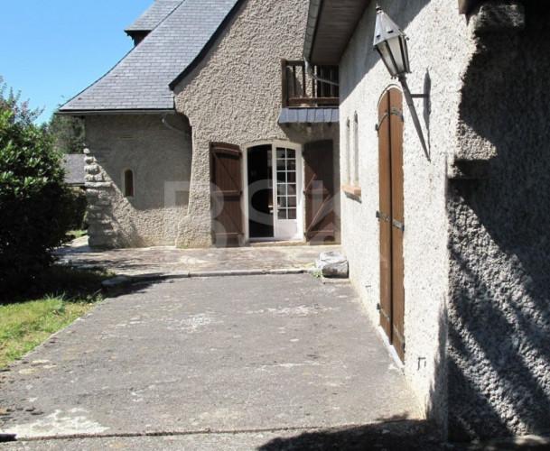 Grande maison de campagne avec vue sur Pyrénées